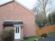 1 bedroom property in Hewes Close, Glen Parva...