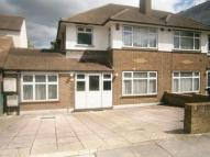 4 bed semi detached property in Shaftesbury Ave...
