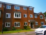 2 bed Ground Flat in Willow Court...