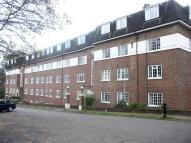 2 bedroom Flat to rent in Herga Court ...