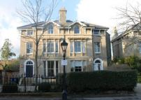 5 bed property in Park Town, Oxford...