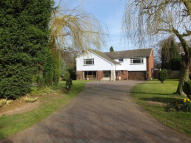 5 bedroom Detached house in 8 Stonehouse Drive...