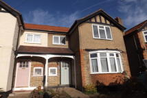 3 bedroom Terraced property to rent in IG10