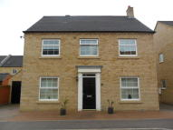 4 bed Detached home to rent in Chesterfield Way...