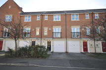 Town House to rent in Knights Road, Chellaston