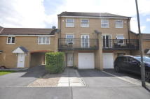 4 bed Town House to rent in Marquis Gardens...
