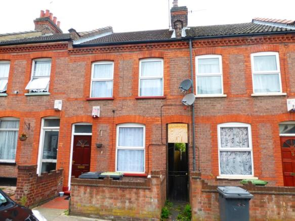 2 bedroom house to rent in butlin road luton lu1