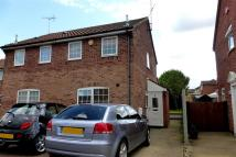 2 bed semi detached house to rent in Buzzard Road, LUTON