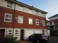 3 bed Town House in Rollesbrook Gardens...