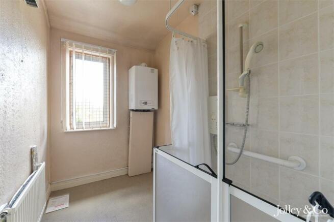 Bedroom 3 / Shower