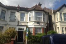 Flat to rent in Lyndhurst Drive, E10