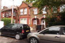 2 bedroom Flat in Perth Road, E10