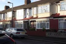 3 bedroom property to rent in Overton Road, E10