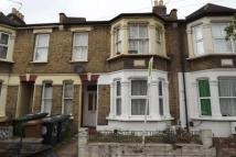 Flat to rent in Scotts Road, E10