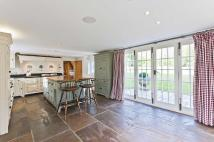 4 bed Detached property in Burhill, Hersham...