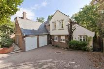 Hanger Hill Detached property to rent