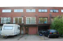 3 bed Town House in Waterside...
