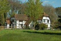 6 bed Detached property in Fleet Hill...