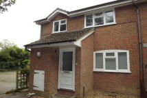 2 bed house to rent in Scots Court, Hook, RG27