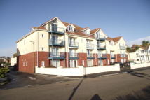 Apartment to rent in Marine Drive, Paignton