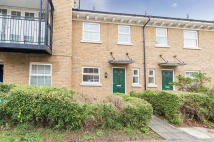 3 bed Terraced property in Reliance Way, Oxford...