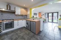 2 bed semi detached house in Harlow Way, Oxford...