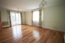 Flat to rent in Portman Heights...