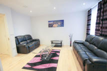 Flat to rent in 1 Trematon Walk...