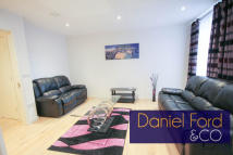 2 bed Flat in 1 Trematon Walk...