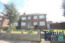 3 bedroom home to rent in Castlewood Road...