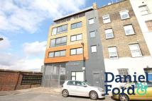 Flat to rent in Rufford Street, London