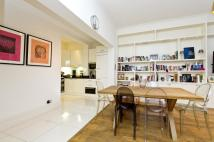 3 bedroom Flat in Queen's Gate...