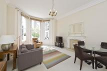2 bedroom Flat in Campden Hill Gardens...