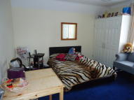 1 bed Studio flat to rent in Ifield Road, Crawley...
