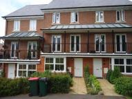 4 bed Town House to rent in Stone Court, Crawley...