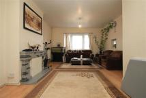 3 bed semi detached property in Newbury Park IG2
