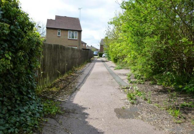 Access from site to the road