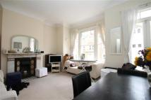 Flat in Altenburg Gardens, SW11