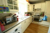 4 bed semi detached house in Parkhead Gardens...