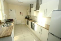 Town House to rent in Cresswell Terrace...