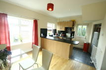 2 bed semi detached house to rent in Field House Road...