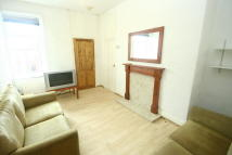 3 bed Flat to rent in Chillingham Road, Heaton...