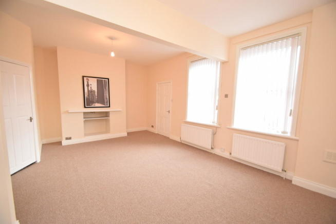 4 Bedroom Maisonette To Rent In St Aidans Street Bensham: 4 bedroom maisonette