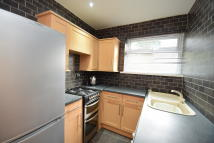 2 bedroom Flat to rent in Deans Close, Whickham...