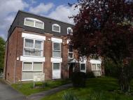 Flat to rent in Leewood Court...