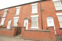 2 bed Terraced house to rent in Gorton Road, Reddish...