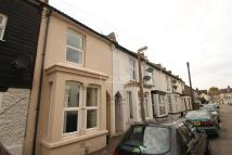 3 bed Detached property to rent in Rochester