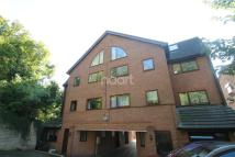 Flat to rent in Romany Court...