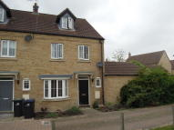 4 bed semi detached home in Columbine Road