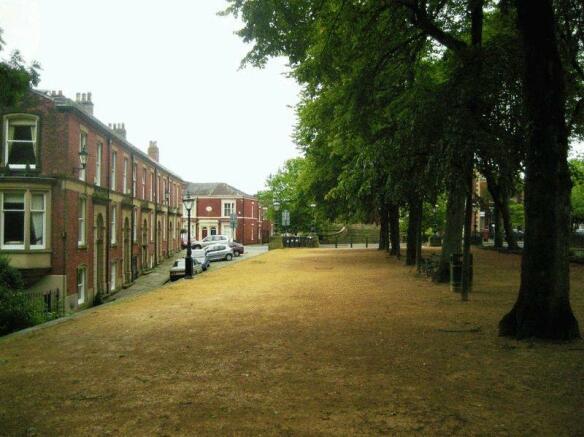 Avenham Walk